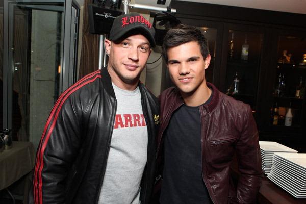 Jason Momoa is wearing... Taylor Lautner Girlfriend